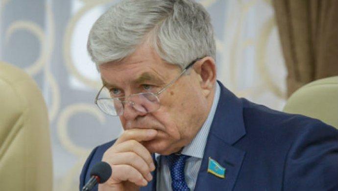 Божко предлагает депутатам обсуждать законопроекты в эфире телепередач