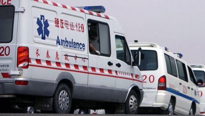 Вкитайском городе Хэнъян автомобиль врезался втолпу танцующих людей