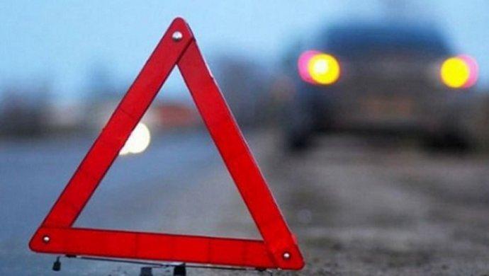Полицейский на BMW насмерть сбил мужчину на трассе Караганда-Шахтинск