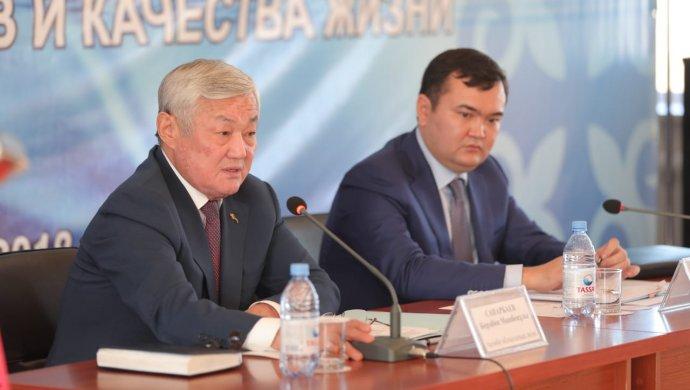 Предложение повысить зарплаты работникам поддержали 200 актюбинских компаний