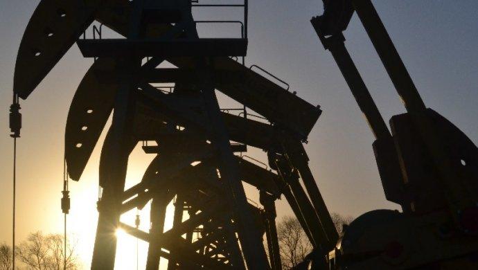 Стоимость нефти Brent опустилась ниже 61 доллара забаррель