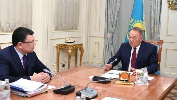 Президент поручил Канату Бозумбаеву снизить тарифы на электроэнергию