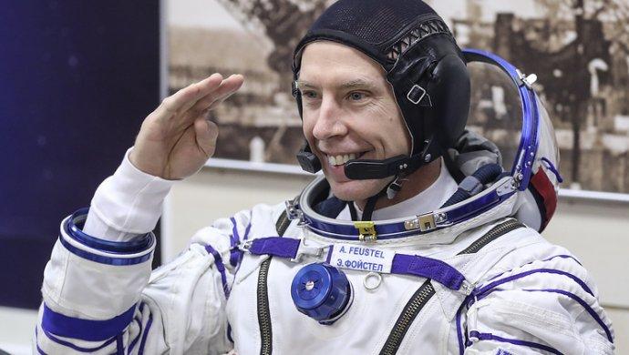 Астронавт NASA продемонстрировал, как заново обучается ходить