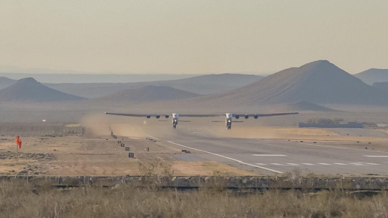 Наибольший  вмире самолет совершил 1-ый  полет