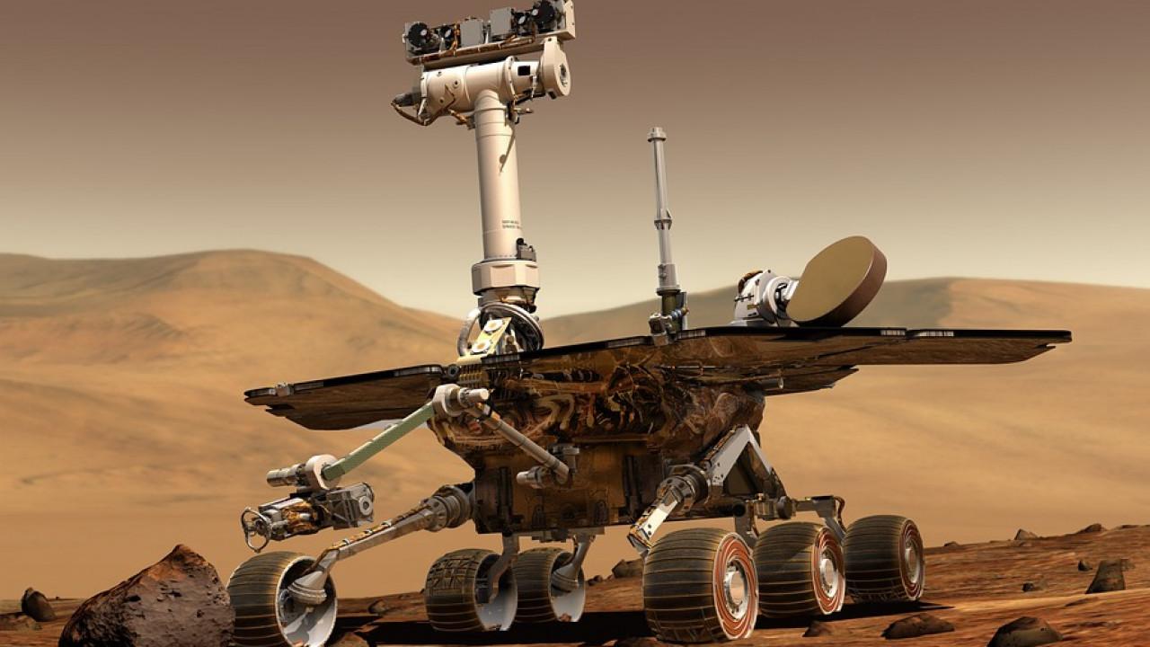 NASA показало фото Curiosity cорбиты Марса