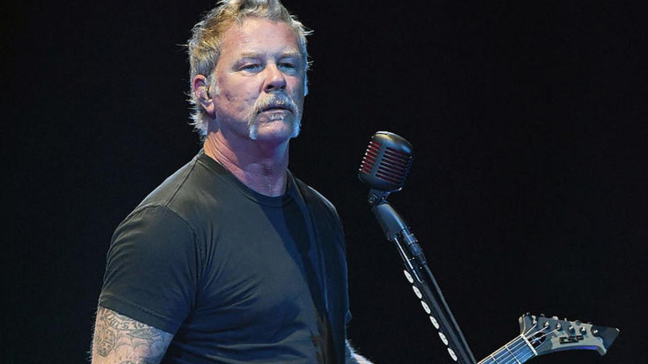 Metallica отменила гастрольный тур из-за ушедшего взапой вокалиста