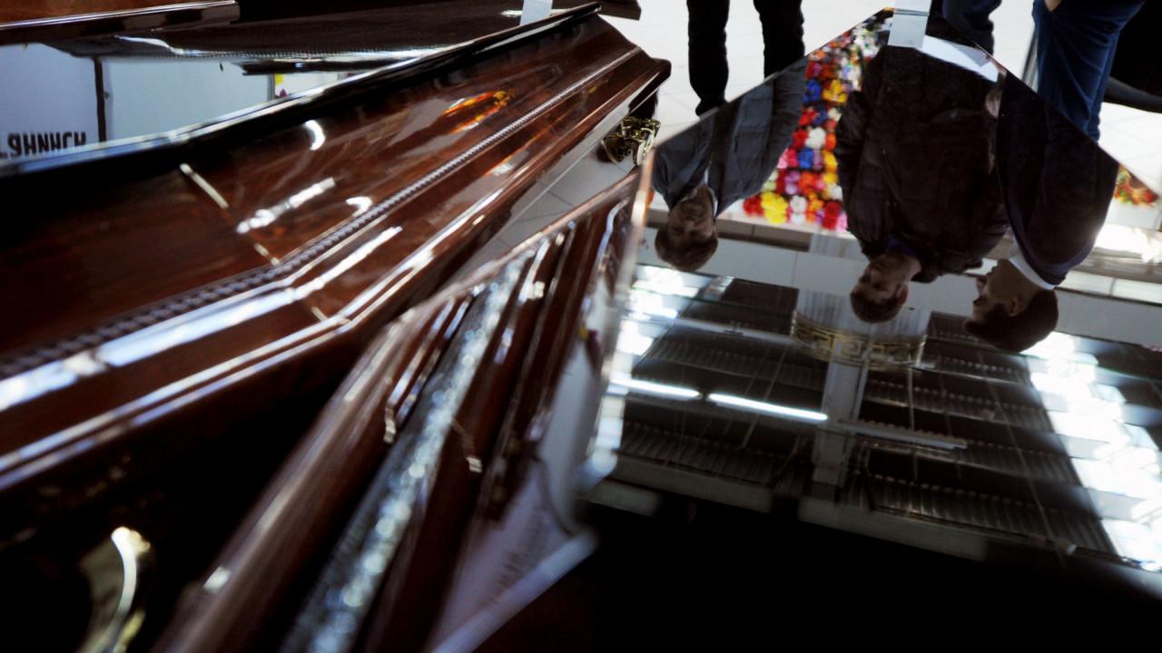 «Покойник» вернулся домой после собственных похорон
