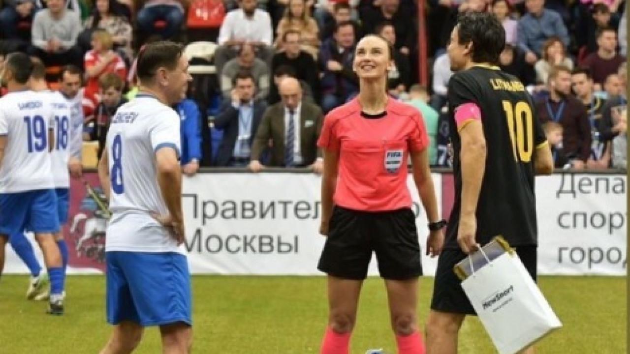 Финал Кубка Легенд завершается скандалом — сборная Звезд покинула площадку после 2-х удалений