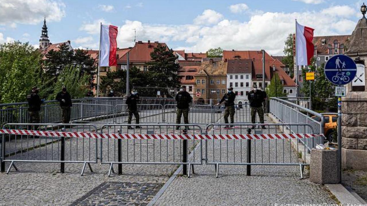 Руководитель  Евросовета призвал страныЕС как можно скорее открыть границы