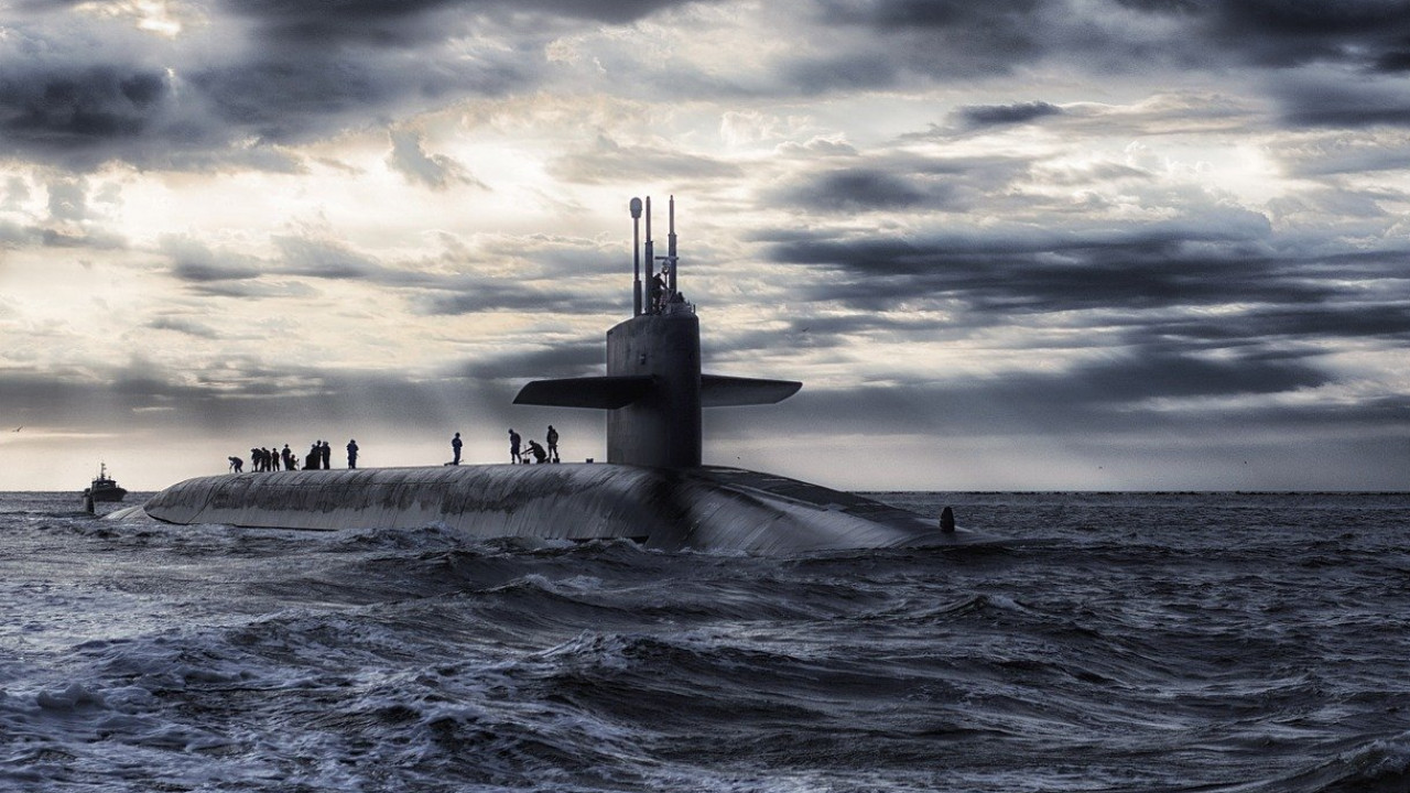 Японские военные обнаружили неопознанную подлодку вблизи южных территориальных вод страны