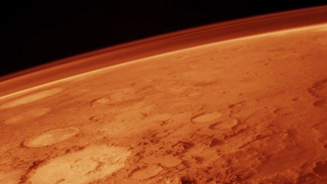 Китайский зонд для исследования Марса удачно  вышел наорбиту