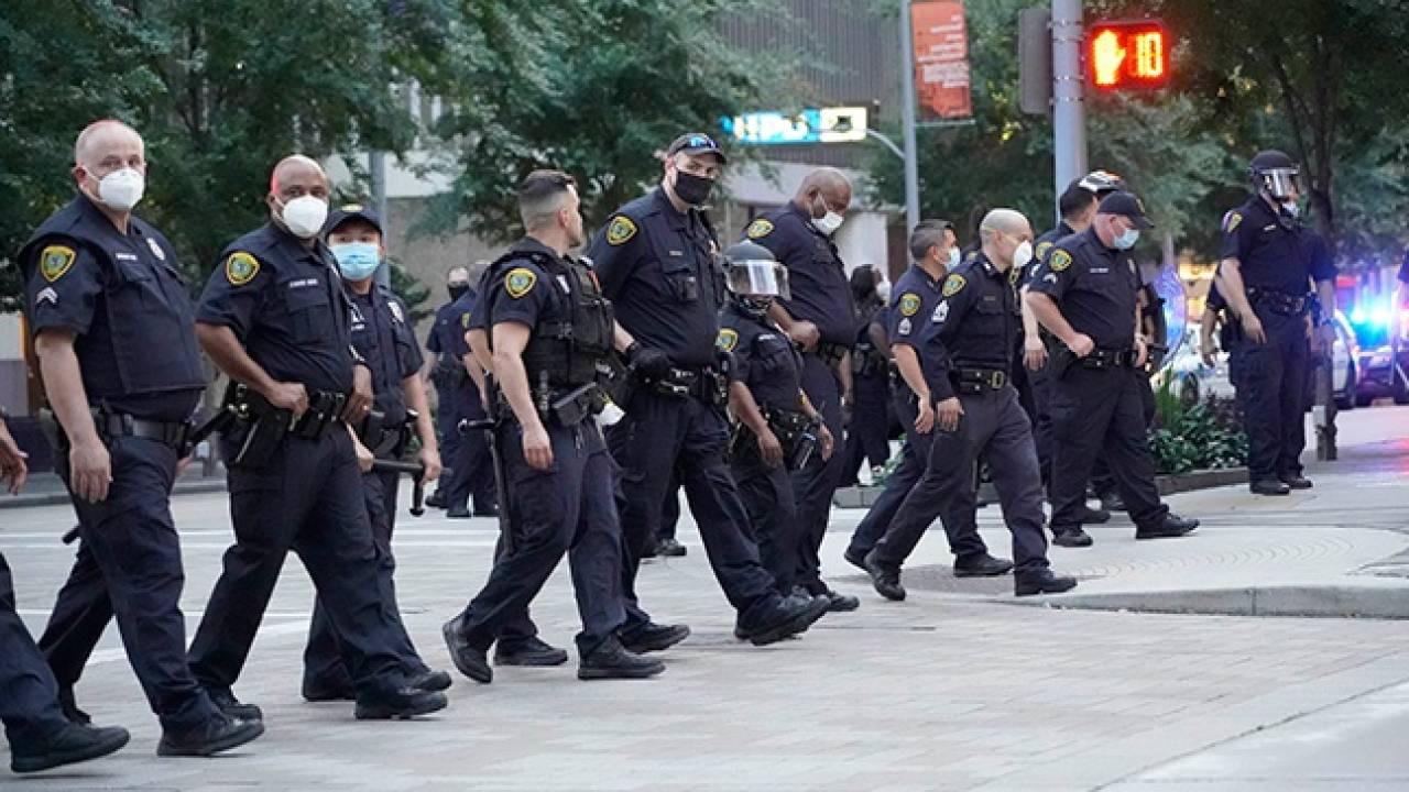 Власти США подготовились кмассовым беспорядкам из-за выборов