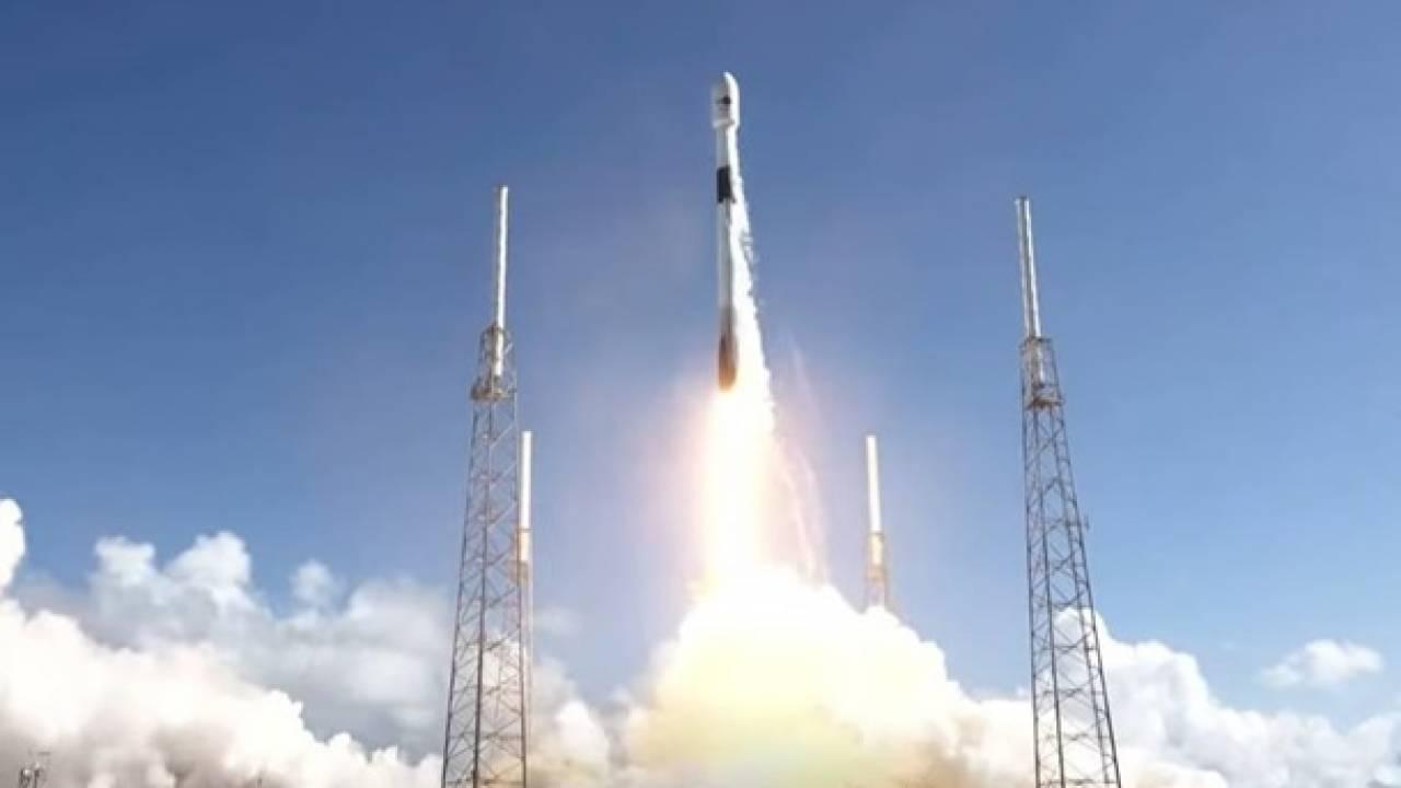 SpaceX удачно  вывела вкосмос спутник для исследования  океана