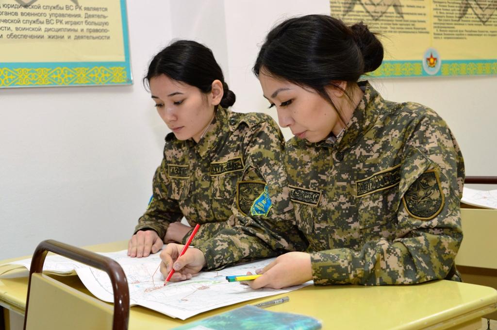 Работа для девушек военные подработка веб моделью