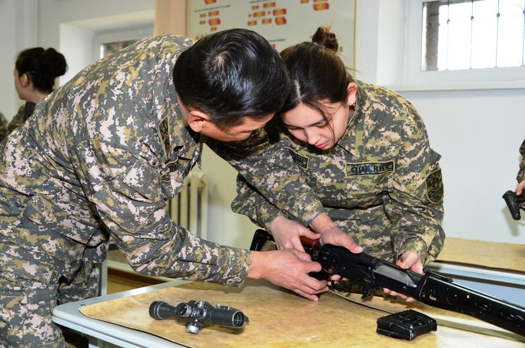 Работа для девушек военные работа для девушек махачкала