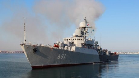 В Актау осужденный за смерть рыбака командир пограничного корабля попал под ...