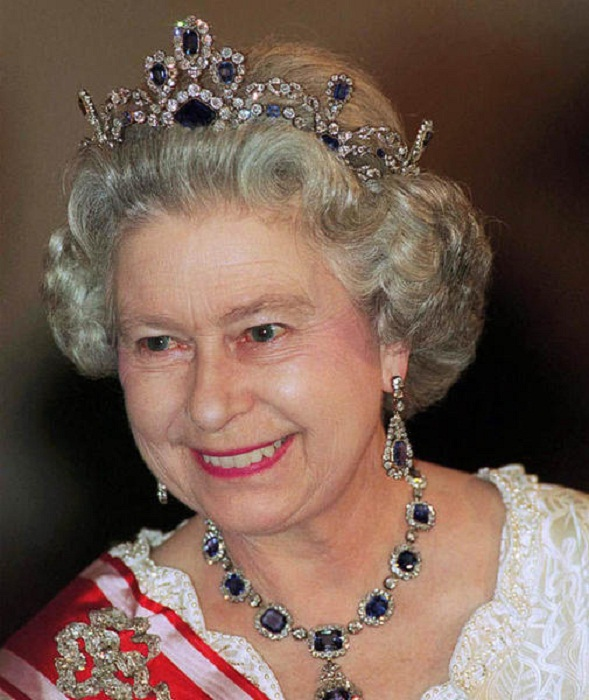 thesis statement on queen elizabeth ii