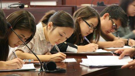 Количество образовательных грантов увеличат в Казахстане