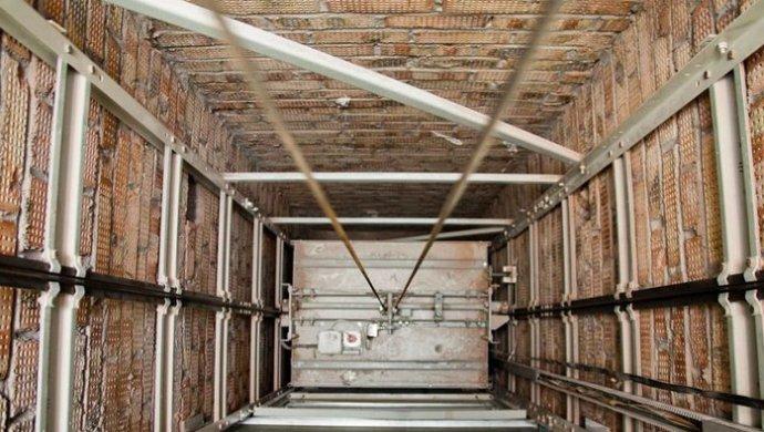Лифт сорвался в Алматы: Погиб мужчина