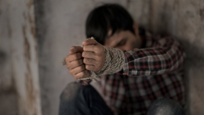 Полицейские били меня во время допросов —   подсудимый из Уральска пожаловался на пытки