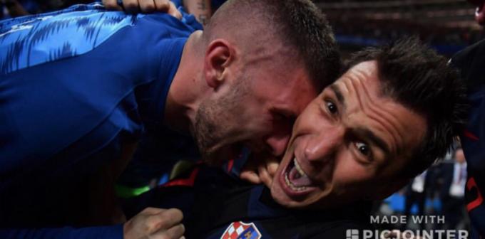 Фотограф, на которого свалилась сборная Хорватии, показал, что у него получилось