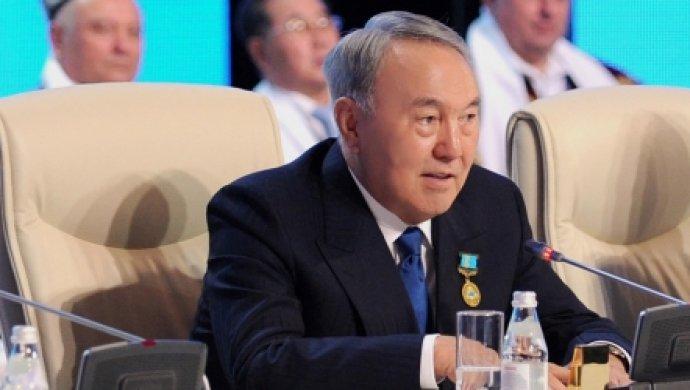 поздравление назарбаева с днем знаний надувные