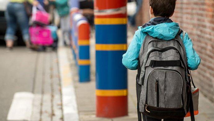 5960b37dc842 Сколько должны весить школьные ранцы: установлены нормы