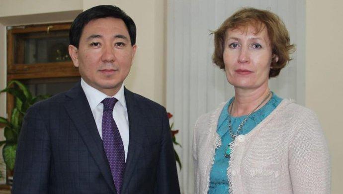 Аким Усть-Каменогорска позвал на работу учительницу, написавшую открытое письмо