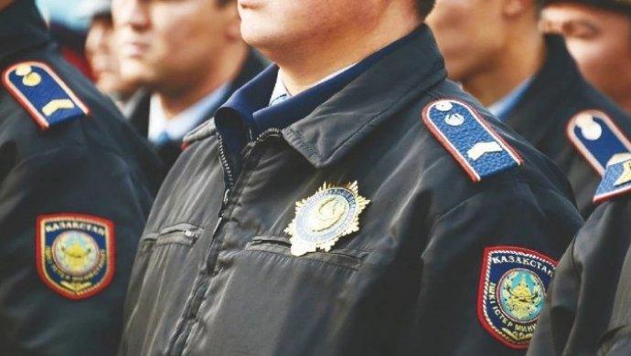 Пятерых полицейских уволили за драку в Астане (ВИДЕО)