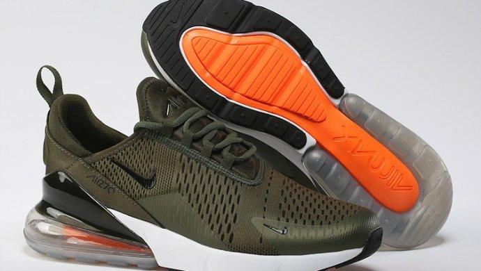 Nike обвинили в оскорблении мусульман из-за логотипа на подошве кроссовок 608ec9ca263
