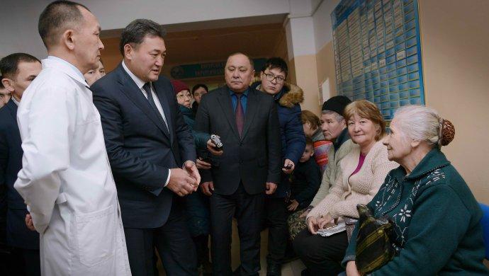 Булат Бакауов проинспектировал уровень медуслуг в приватизированных поликлиниках