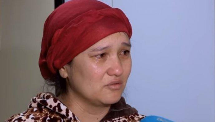 Многодетную мать чудом спасенных тройняшек выгоняют из жилья в Шымкенте (ВИДЕО)