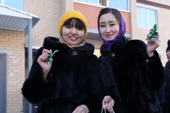50 молодым актюбинцам вручили ключи от квартир