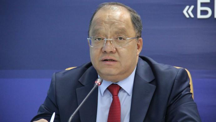 Толеутай Рахимбеков подал документы в ЦИК