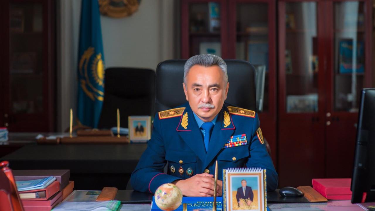 Начальник полиции Акмолинской области подал в отставку после задержания подчиненных
