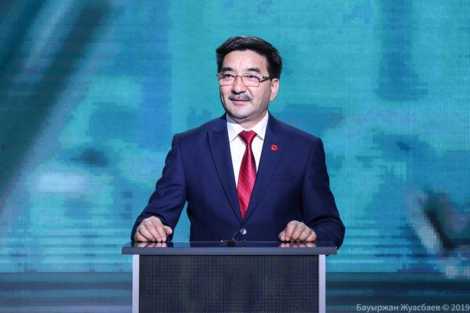 Надо вернуть народу все, что украли беглые олигархи, - кандидат Ахметбеков