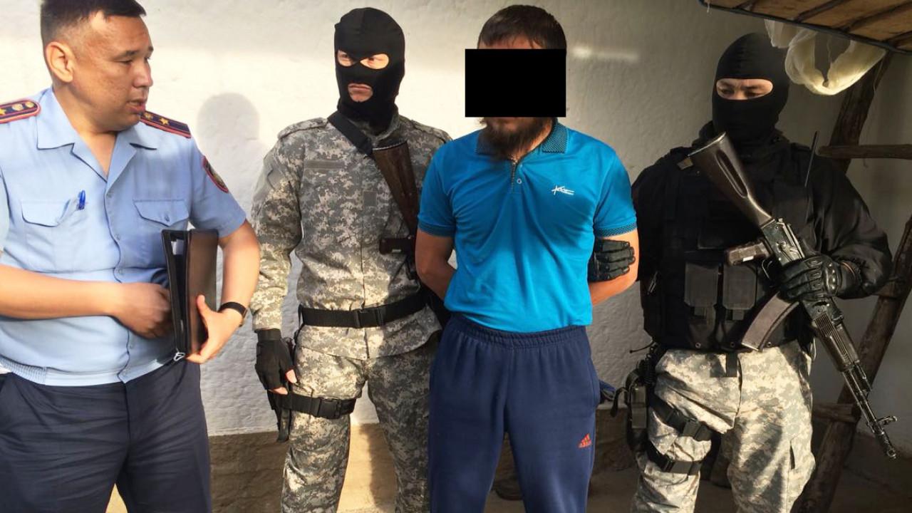 Вымогали у бизнесмена деньги и участок в Боровом - КНБ о задержании членов ОПГ