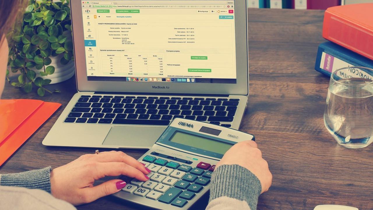 Где узнать о задолженности по налогам на имущество и землю