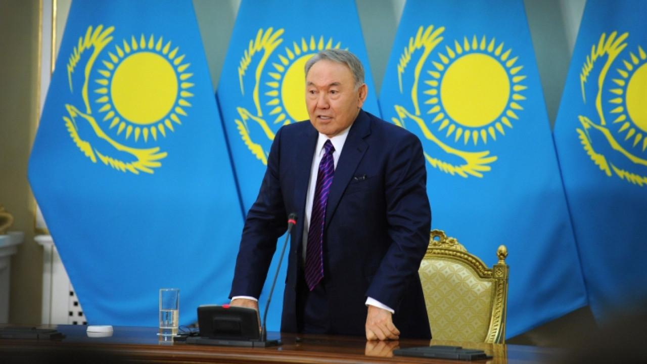Назарбаев: Чиновничий дресс-код надо прекратить
