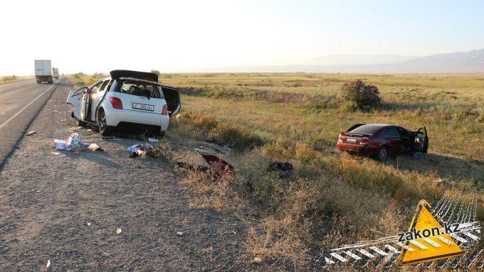 Три человека погибли и еще семеро травмированы в ДТП на трассе Алматы-Бишкек