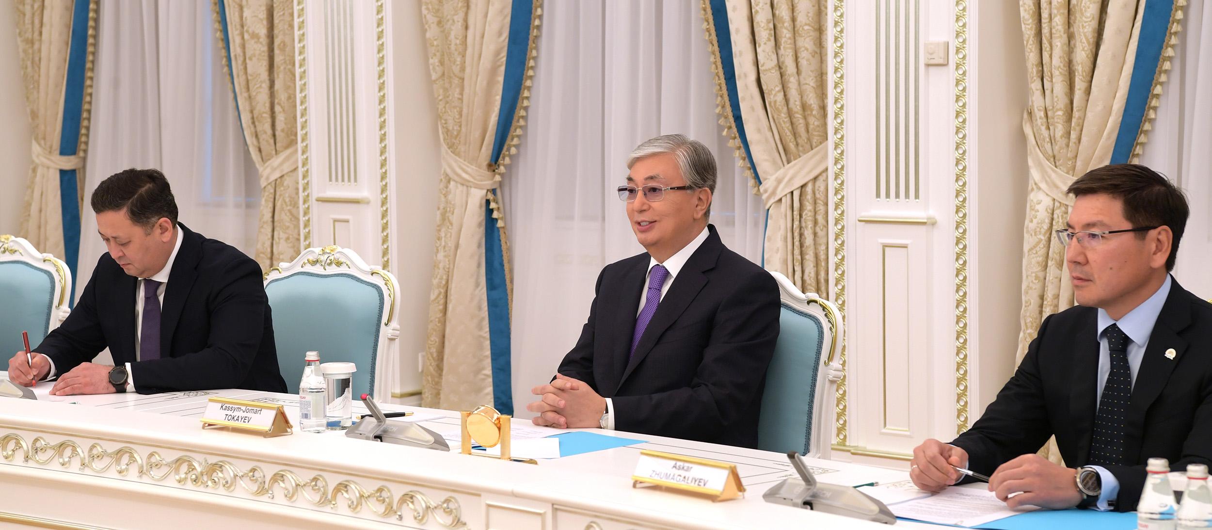 Касым-Жомарт Токаев принял старшего министра Сингапура 2