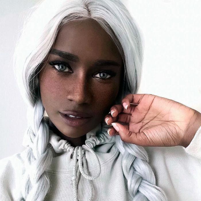 Работа для девушки с красивой внешностью девушка на работа фото