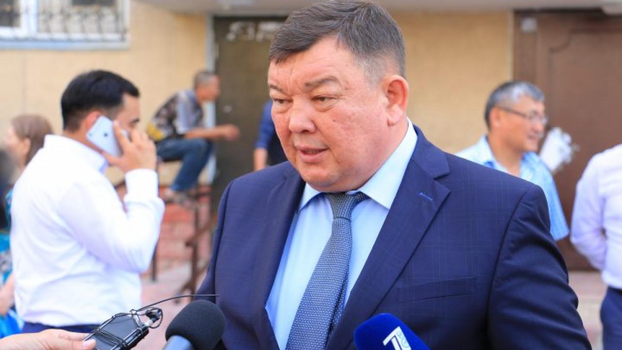 Подозреваемый в мошенничестве замакима Манзоров вышел в отпуск