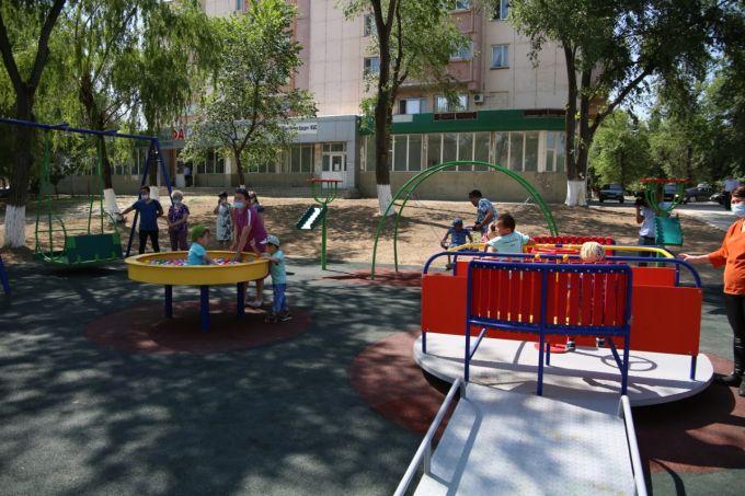 Сапарбаев поздравил воспитанников детского дома с днем защиты детей 2