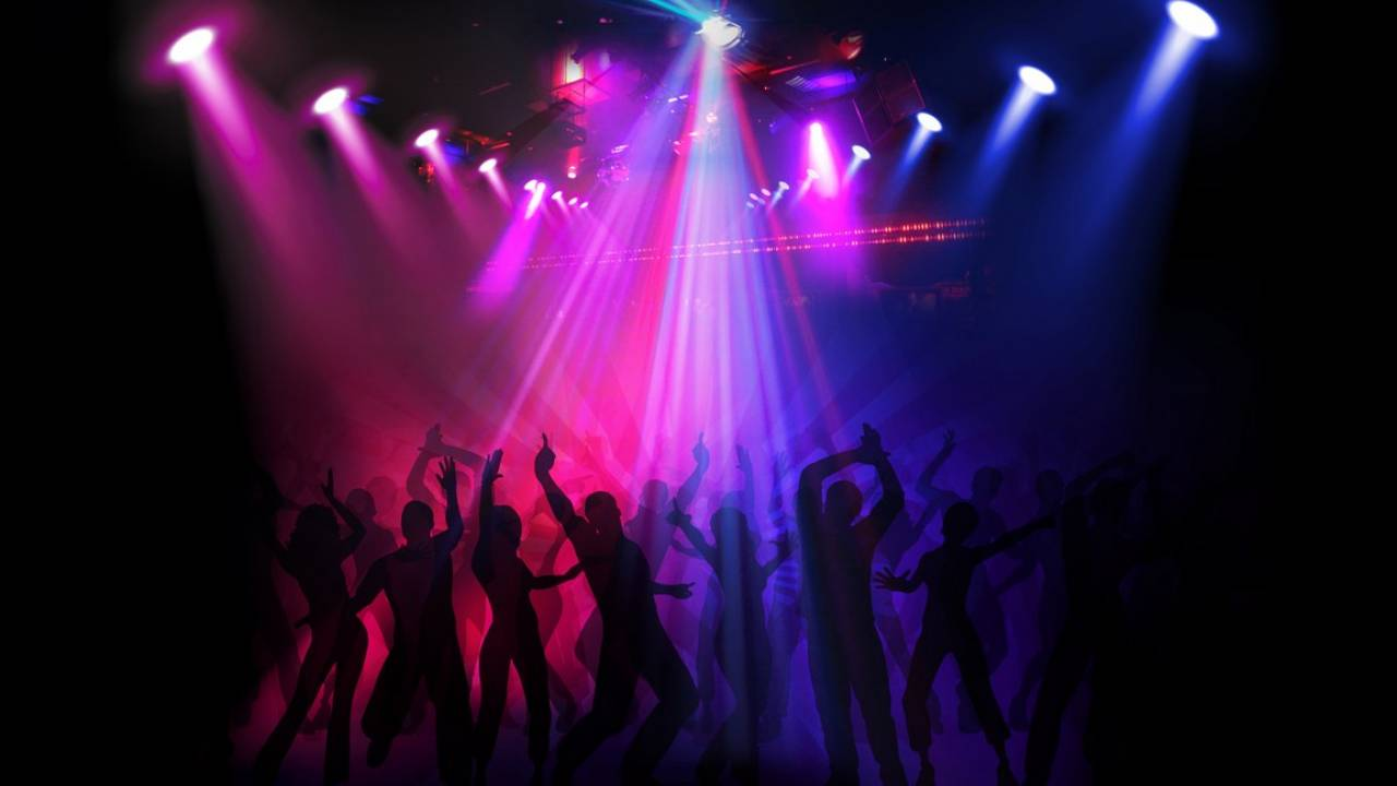 Клуб ночной для несовершеннолетних охранник без лицензии ночные клубы
