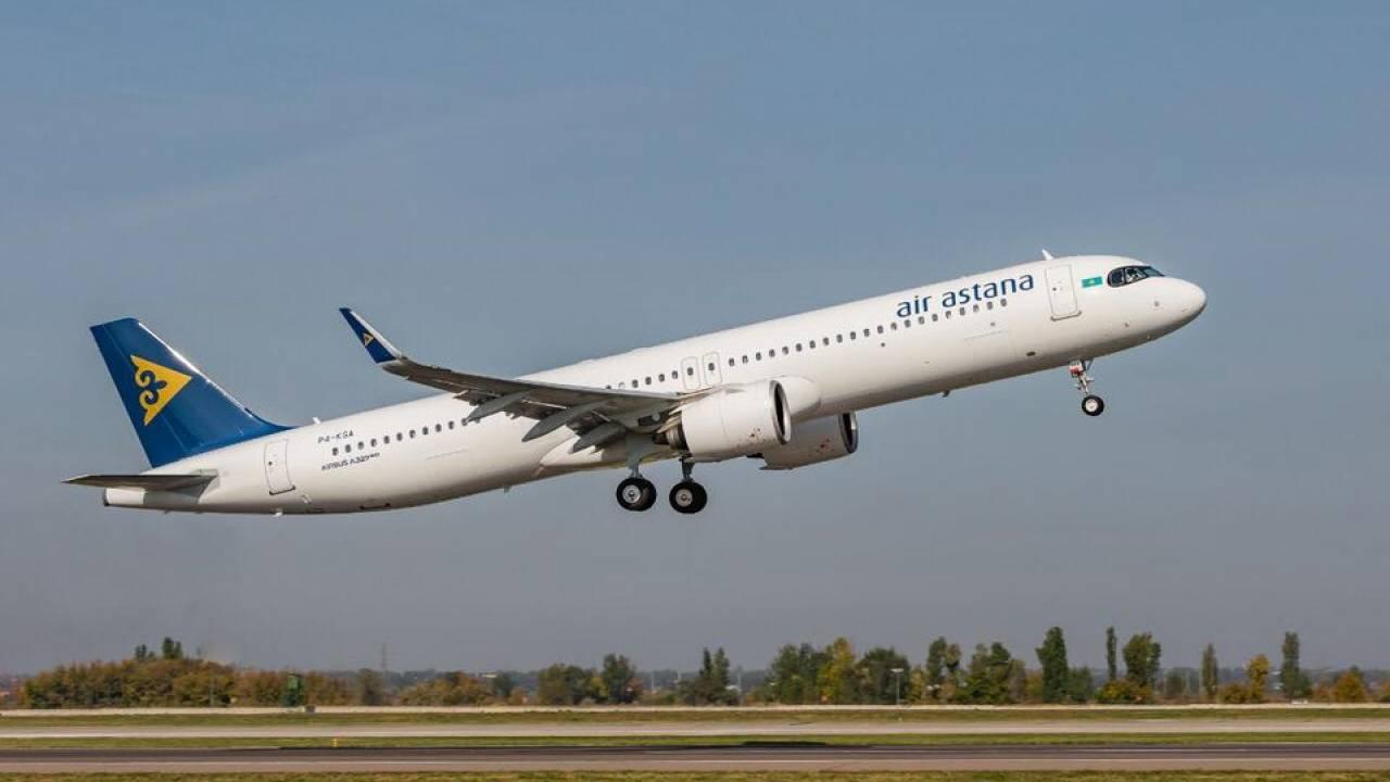 Казахстанские студенты могут прибывать в Россию только на самолете