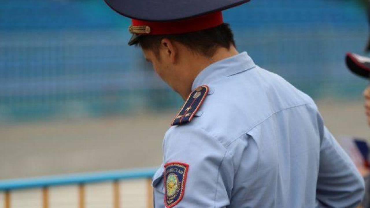 Полицейский осужден к 12 годам за покровительство притона