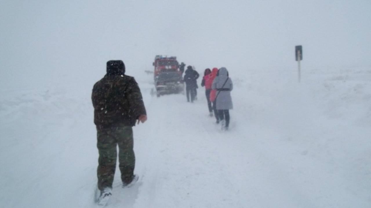 В девяти регионах Казахстана закрыты дороги