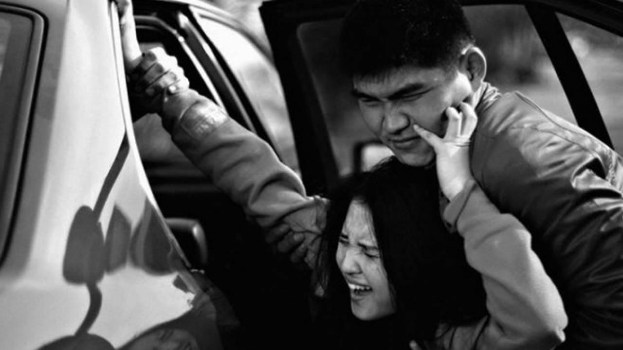 В Казнете распространяется видео о похищении девушки в центре Шымкента