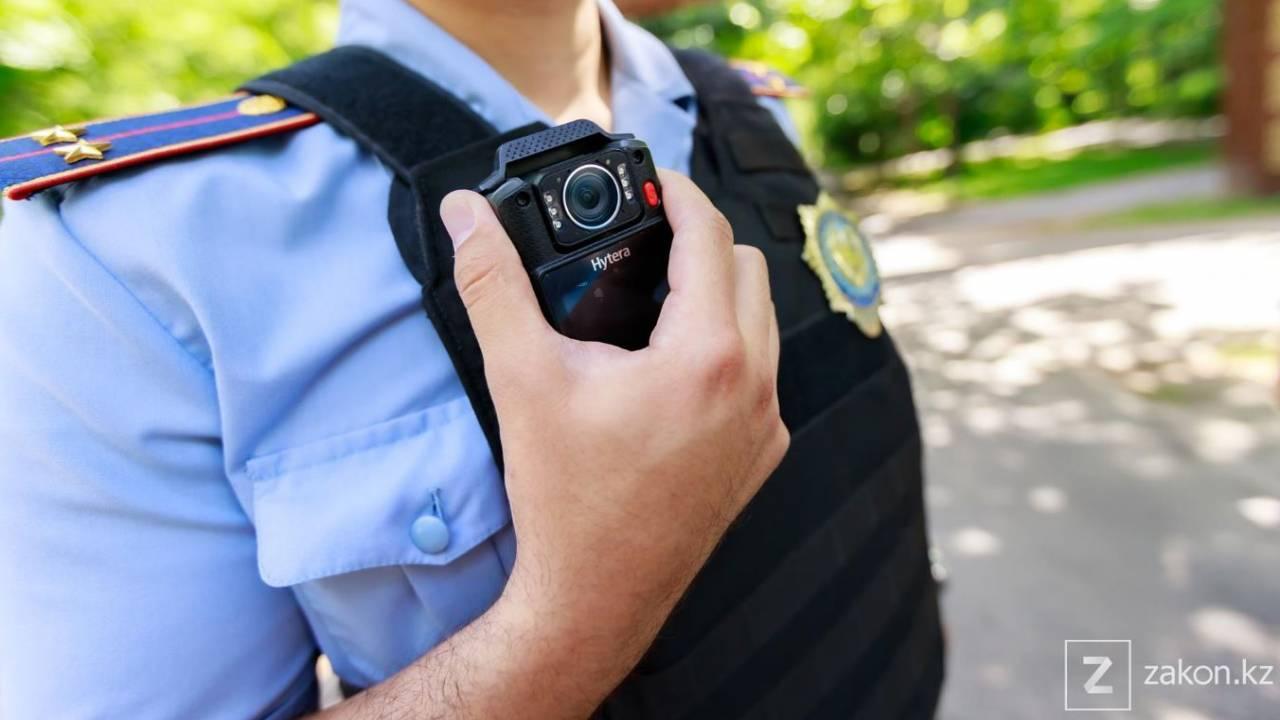 Двух полицейских оштрафовали на 14 млн тенге за взятку